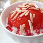 Peach Melba Recipe – Vanilla Poached Peaches with Fresh Raspberry Sauce on Ice Cream